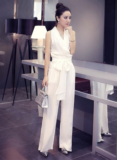 Women's Solid V Neck Sleeveless Tie Waist Wide Leg Jumpsuit