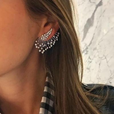 Fashion Asymmetric Multilayer Single Earring With Diamonds